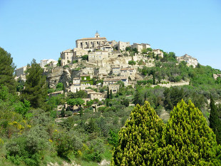 View across the valley to the hill-top village of Gordes.