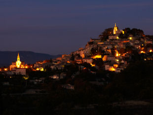 Provence cycling holidays - Bonnieux by night.