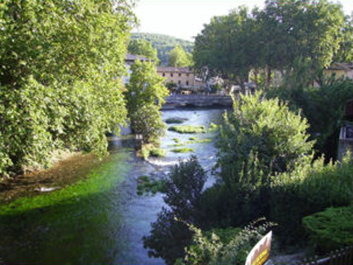 Provence bicycle tours, France - The beautiful nearby spa town of Fontaine de Vaucluse.