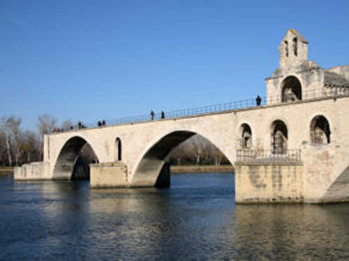 View of the Pont d'Avignon.