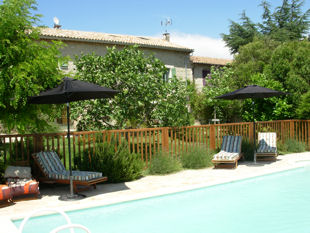 Provence bike trips - Lots of shade by the pool.
