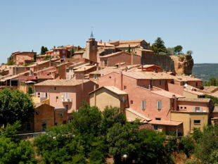 A view over the roofs of nearby Roussillon village.